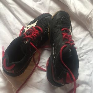 Black volleyball sneakers